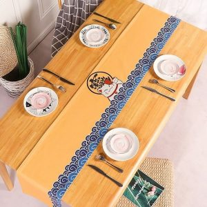 chemin-de-table-japonais-avec-chat-maneki-neko