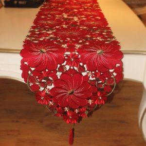chemin-de-table-rouge